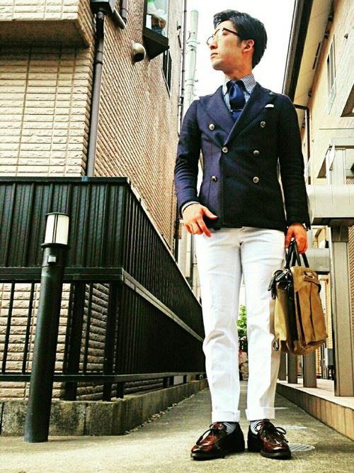 イタリア親父風モテる男の白パンツファッションコーディネート画像15