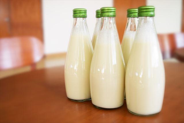 たっぷりの牛乳の画像